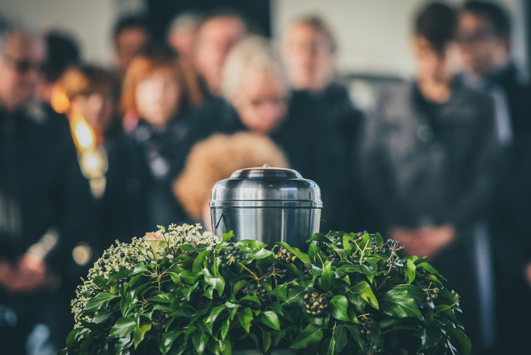 All You Need to Know About Cremation Caskets: How to Buy a Casket