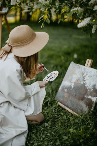 How Art Therapy Helps Process Grief, Loss and Manage Symptoms